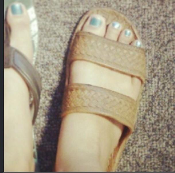 classic brown pali hawaii sandals