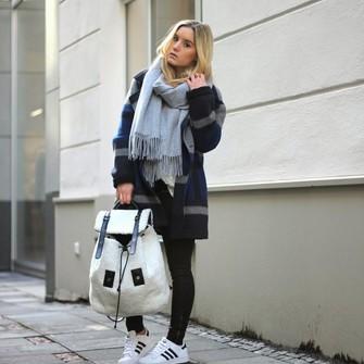 lime sunday coat blogger fashion twinstinct backpack scarf red