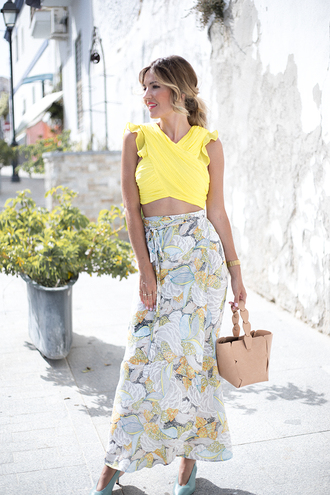 mi aventura con la moda blogger skirt top jewels bag shoes maxi skirt yellow top summer outfits