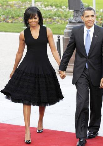 dress black dress midi dress michelle obama first lady outfits pumps barack obama
