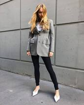 jacket,blazer,grey jacket,black jeans,skinny jeans,pumps,white t-shirt