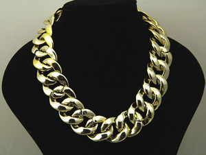 Posh'd official online boutique — chunky gold chain necklace