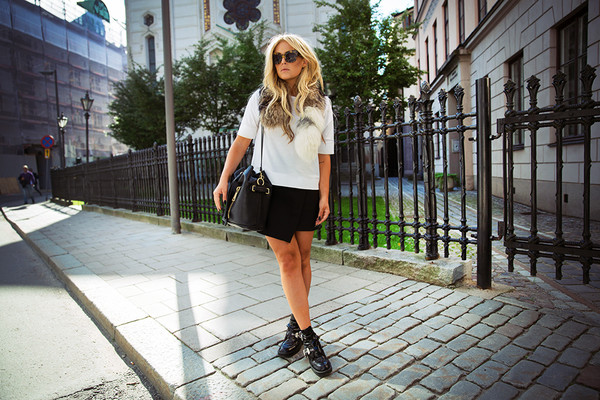 fanny lyckman blogger t-shirt skirt shoes bag