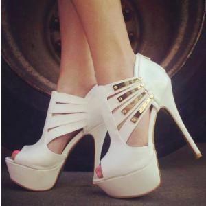 Lillian White Metal embellishment Stiletto Heel Pumps