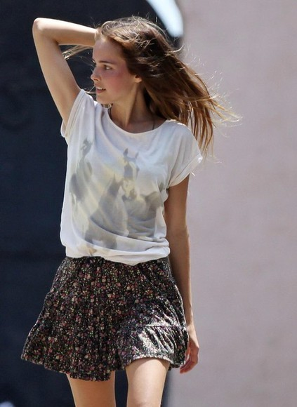 isabel lucas skirt floral top t-shirt horses graphic tee