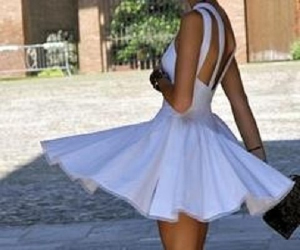 Красивая девушка длинные ноги. красивые девушки с длинными ногами