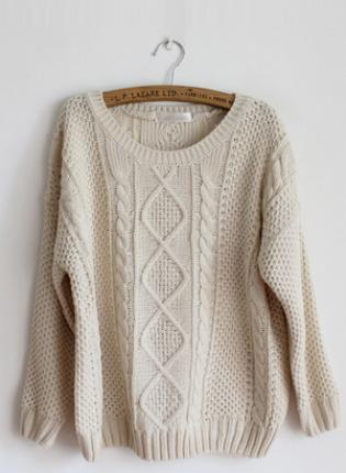 PRETTY ROUND NECK BEIGE SWEATER  S001634 on The Hunt