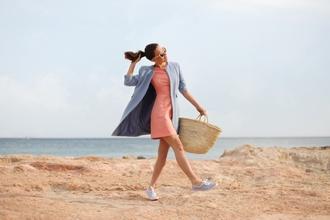 frassy blogger blue coat light blue coral dress spring outfits
