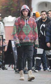 sweater,hoodie,brooklyn beckham,menswear,mens shoes,pants,streetstyle