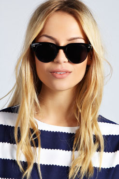 Darcey Frameless Wayfarer Sunglasses at boohoo.com