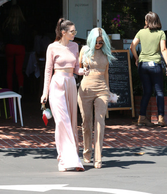 pants top kendall and kylie jenner kylie jenner kendall jenner wide-leg pants crop tops nude skirt pink pants