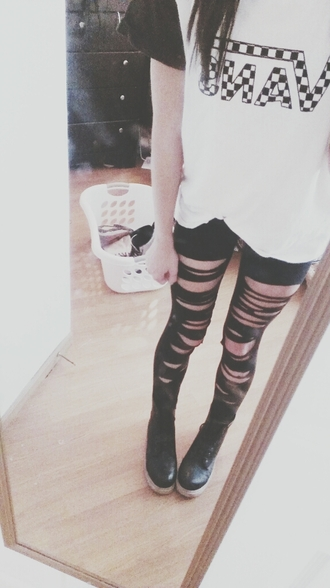 leggings tumblr outfit vans drmartens fall outfits t-shirt quote on it boots
