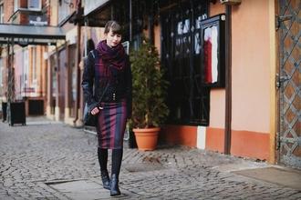 kapuczina blogger jacket scarf striped skirt