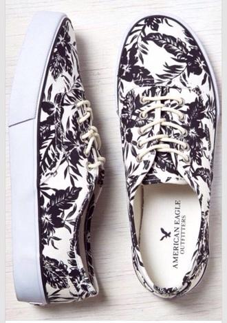 shoes beach print black white black and white tennis shoes white shoes black shoes black and white shoes