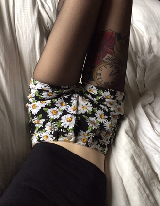 shorts floral printed design denim high waisted daisy