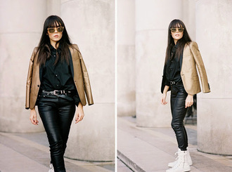 vanessa jackman blogger metallic sunglasses high top sneakers leather pants black shirt