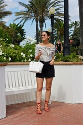 lamariposa,blogger,shirt,shorts,shoes,bag,sunglasses,fall outfits,handbag,black shorts,sandals