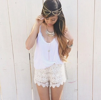 shorts top tank top bottoms white white top white shorts gold gold jewelry lace shorts high waisted shorts high waist shorts necklace gold necklace headband headband chain headband thin gold head chain gold headchain gold head chains bracelets gold bracelets summer top summer outfits summer shorts girly