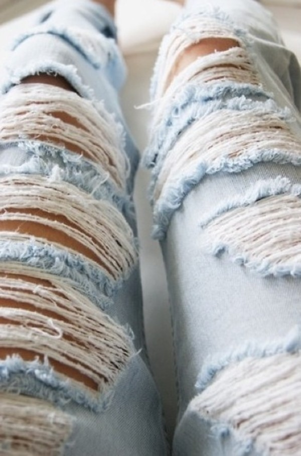 jewels ripped jeans jeans hålete ripped denim hermes bag blue jeans blue pants light blue jeans