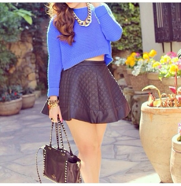 skirt sweater bag jewels blouse necklace handbag
