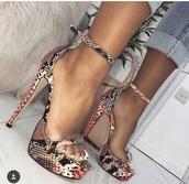 shoes,snake print,heels