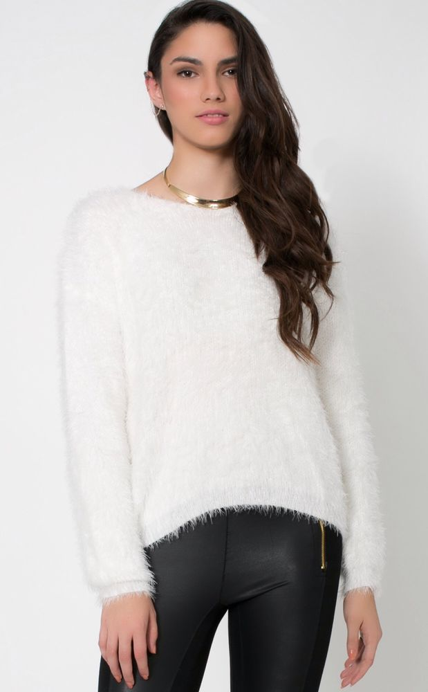 Forever21 Fall/Winter Fuzzy White Knit Sweater Size Small