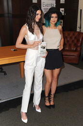 pants,kendall and kylie jenner,shoes
