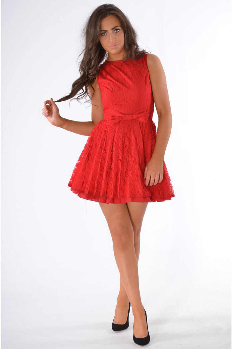 Kadenza Lace Prom Dress in Red