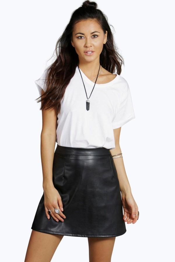 34d0f13257 skirt mini skirt leather skirt leather mini skirt black skirt black leather  skirt boohoo skirt