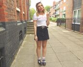 the velvet black,grunge,blogger,belt,graphic tee,90s style,denim skirt,button up skirt
