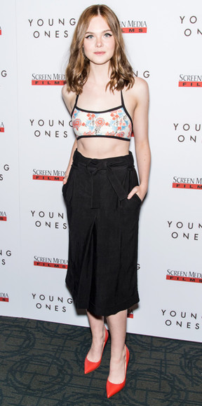 elle fanning skirt top shoes black tie waist