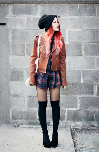 le happy blogger brown leather jacket leather jacket fall jacket knee high socks plaid shirt black beanie