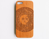 Artisanal engraved madame sunnymoon maple wood iphone 5s by svnty