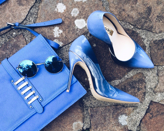 fashion coolture blogger stilettos blue heels blue shoes mirrored sunglasses round sunglasses blue blue bag shoes