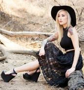 skirt,black,midi skirt,dark,fashion,model,outfit,tattoo,shoes,hat