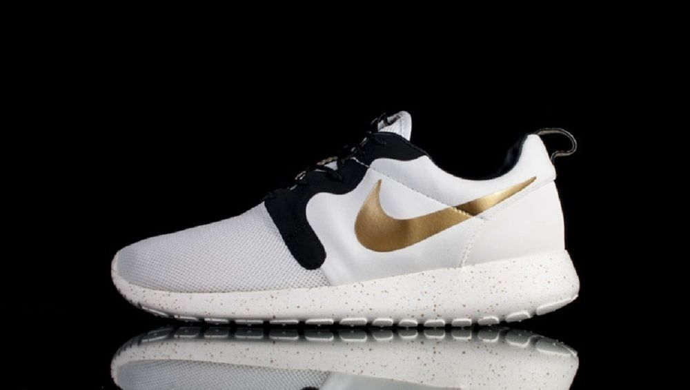 Nike Rosherun Roshe Run Hyperfuse Premium QS Gold Trophy 669689-100 White Black