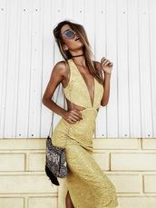 mexiquer,blogger,sunglasses,dress,bag,sexy dress,gold dress,embellished bag