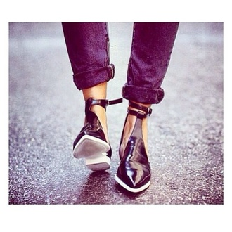 shoes black white boot ankle strap ankleboots