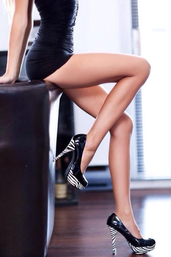 девушки чулки каблуки фото