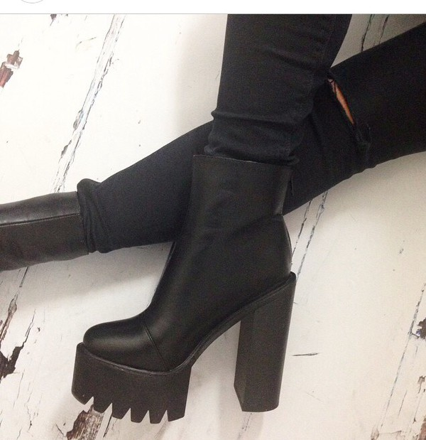 high heels chunky heels black shoes black shoes black boots platform shoes tumblr shoes