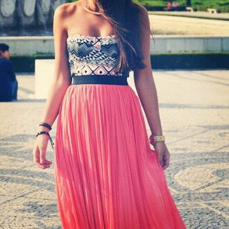 dress maxi dress pink tribal pink maxi skirt corset top corset dress maxi aztec summer tribal pattern bustier skirt clothes black cute weheartit tanned white lovely brown hair belt watch maxi skirt aztec crop top blouse aztec print dress