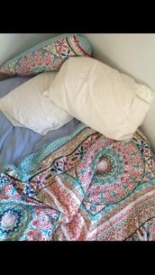 needtoknow,bedcover,Wherecanibuythis,blouse,coat,home accessory,bedding,boho comforter,tumblr