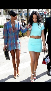 top,rihanna,skirt,blue,blue top,blue skirt