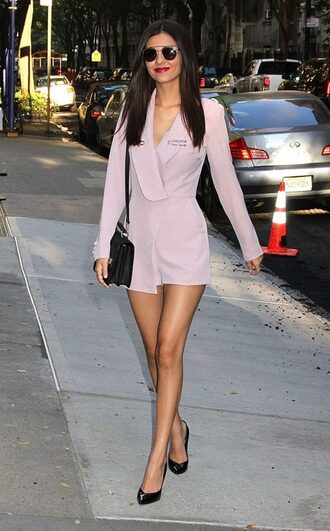 romper dusty pink victoria justice pumps sunglasses fall outfits