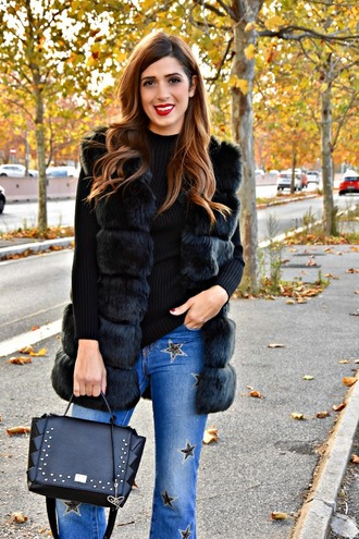 cosamimetto blogger jacket jeans bag shoes vest faux fur jacket handbag winter outfits