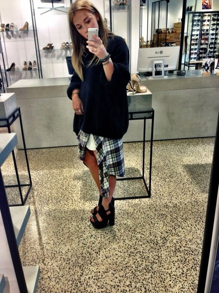 shoes high heels cute platform shoes platform black black heels tumblr clothing pretty summer summer heels platform high heels black platforms black platform heels coat