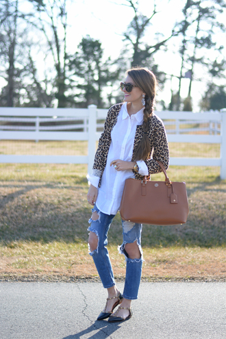 southern curls and pearls blogger ripped jeans leather bag leopard print cardigan jeans bag jewels sunglasses make-up