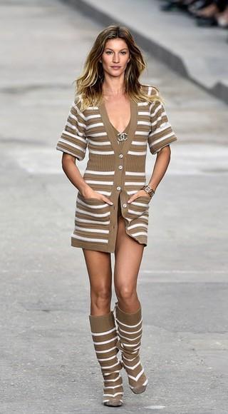 dress fashion week 2014 cardigan sweater gisele bündchen