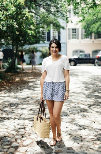 life & messy hair blogger shoes top shorts jewels bag