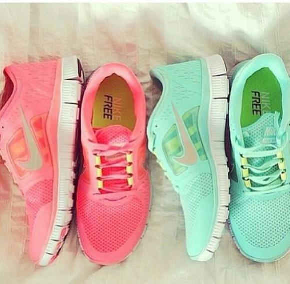 shoes rose bleu baskets nike free run